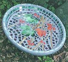 prato-decorado-com-mosaicos