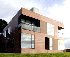 Uma casa pré-fabricada de arquitectura moderna
