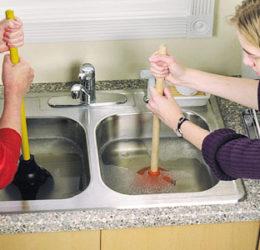 desentupir a pia da cozinha